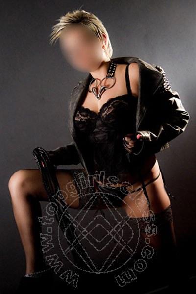 Strenge Lady Cora  DIETZENBACH 004915216250978